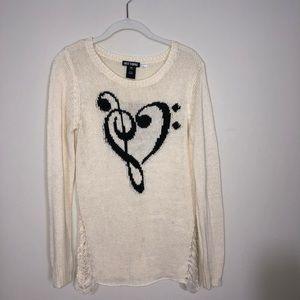 Music cream sweater/top